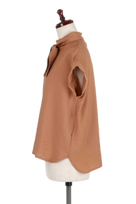 RibbonTiedHighNeckBlouseスカーフネックブラウス大人カジュアルに最適な海外ファッションのothers(その他インポートアイテム)のトップスやシャツ・ブラウス。話題のスカーフネックがポイントのブラウス。暑い時期にちょうどよい張りのある生地は風通しもよく涼し気なアイテムです。/main-12