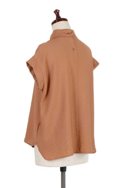 RibbonTiedHighNeckBlouseスカーフネックブラウス大人カジュアルに最適な海外ファッションのothers(その他インポートアイテム)のトップスやシャツ・ブラウス。話題のスカーフネックがポイントのブラウス。暑い時期にちょうどよい張りのある生地は風通しもよく涼し気なアイテムです。/main-13