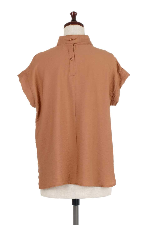 RibbonTiedHighNeckBlouseスカーフネックブラウス大人カジュアルに最適な海外ファッションのothers(その他インポートアイテム)のトップスやシャツ・ブラウス。話題のスカーフネックがポイントのブラウス。暑い時期にちょうどよい張りのある生地は風通しもよく涼し気なアイテムです。/main-14