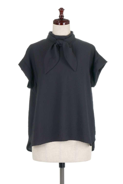 RibbonTiedHighNeckBlouseスカーフネックブラウス大人カジュアルに最適な海外ファッションのothers(その他インポートアイテム)のトップスやシャツ・ブラウス。話題のスカーフネックがポイントのブラウス。暑い時期にちょうどよい張りのある生地は風通しもよく涼し気なアイテムです。/main-15