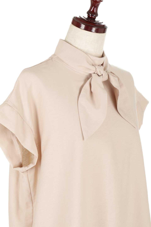 RibbonTiedHighNeckBlouseスカーフネックブラウス大人カジュアルに最適な海外ファッションのothers(その他インポートアイテム)のトップスやシャツ・ブラウス。話題のスカーフネックがポイントのブラウス。暑い時期にちょうどよい張りのある生地は風通しもよく涼し気なアイテムです。/main-20