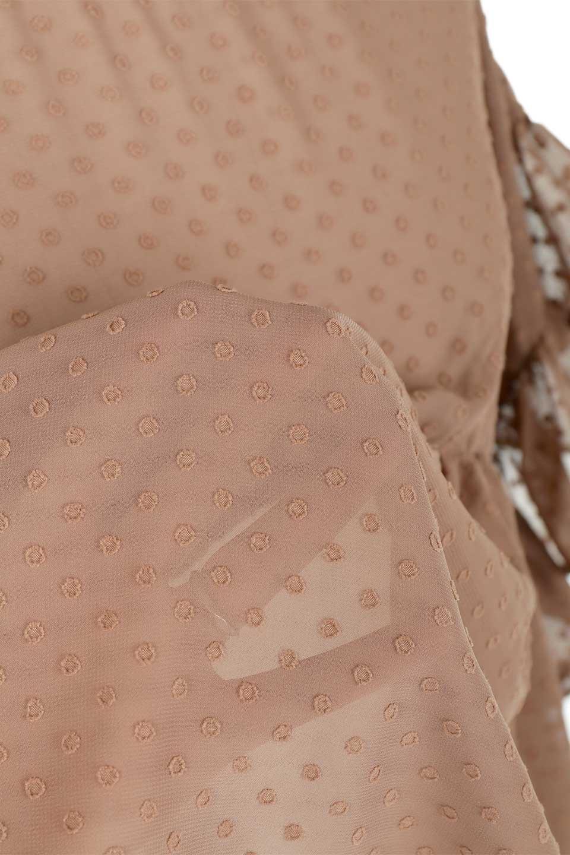 DobbyClothRuffleBlouseドビー生地・フリルブラウス大人カジュアルに最適な海外ファッションのothers(その他インポートアイテム)のトップスやシャツ・ブラウス。総柄で落ち着きのある透け感が可愛らしい、ドビー生地のフリルブラウス。様々なインナーで合わせられる夏らしい爽やかなブラウスです。/main-21