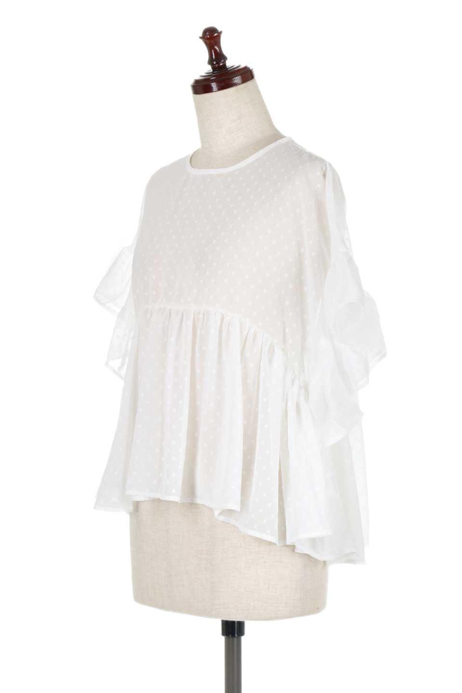 DobbyClothRuffleBlouseドビー生地・フリルブラウス大人カジュアルに最適な海外ファッションのothers(その他インポートアイテム)のトップスやシャツ・ブラウス。総柄で落ち着きのある透け感が可愛らしい、ドビー生地のフリルブラウス。様々なインナーで合わせられる夏らしい爽やかなブラウスです。/main-6