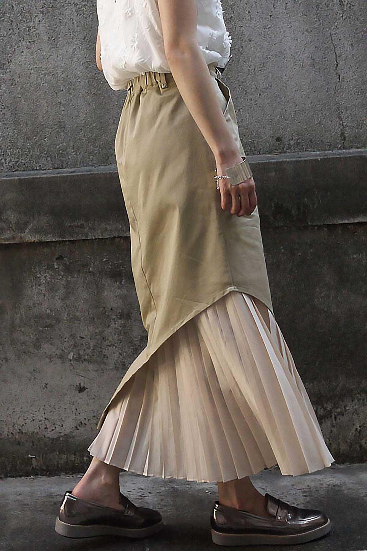 AsymmetricalPleatedCargoSkirtプリーツ&カーゴポケット・アシメントリースカート大人カジュアルに最適な海外ファッションのothers(その他インポートアイテム)のボトムやスカート。ミリタリーテイストをアレンジしたアシメントリーなデザインのロングスカート。ミリタリーやワーク風のハードな雰囲気と、膝下から伸びる丸みを帯びたカットから覗くフェミニンなプリーツの甘辛コンビネーション。/main-22