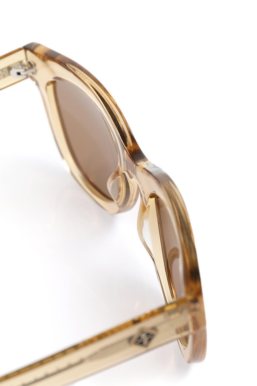 WONDERLANDのCOLONY(08-ClearBeach&Tort/BronzeLens)コロニー・セルフレーム・サングラス/WONDERLANDのメガネ・サングラスや。アメリカ西海岸のレディースクロージングブランド「STONECOLDFOX」とのコラボレーションモデルです。より女性らしいラウンドしたフレームと特徴的な大きなレンズは、クールな女性を演出してくれると同時に小顔効果が望めます。/main-11