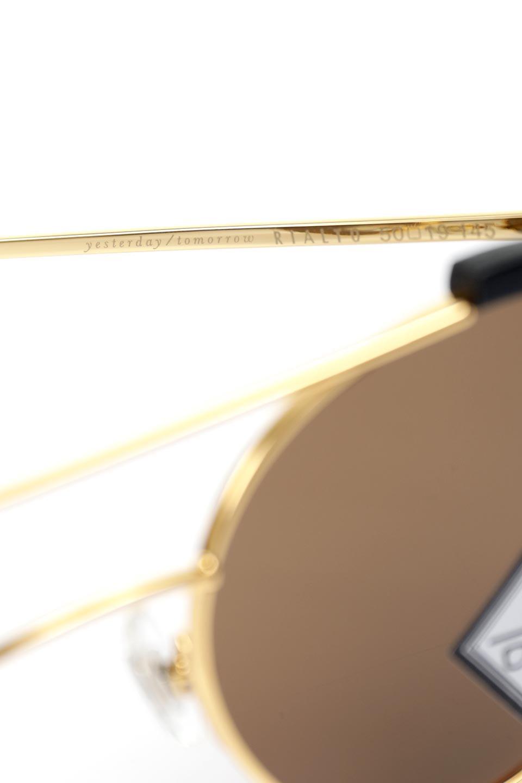WONDERLANDのRIALTO(01-MattBlack&Gold/BronzePolarizedLens)リアルト・メタルフレーム・サングラス/WONDERLANDのメガネ・サングラスや。丸型レンズで人気のIndioよりヴィンテージかつエレガントにアップデートされたモデル。両サイドの「ヨロイ」と呼ばれる箇所に装飾を施しているため、着用時には単なる丸型レンズとは違った印象になります。/main-11