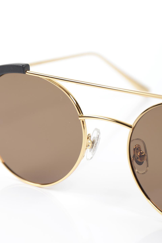 WONDERLANDのRIALTO(01-MattBlack&Gold/BronzePolarizedLens)リアルト・メタルフレーム・サングラス/WONDERLANDのメガネ・サングラスや。丸型レンズで人気のIndioよりヴィンテージかつエレガントにアップデートされたモデル。両サイドの「ヨロイ」と呼ばれる箇所に装飾を施しているため、着用時には単なる丸型レンズとは違った印象になります。/main-6