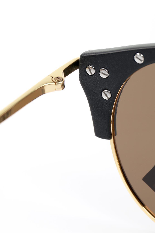 WONDERLANDのRIALTO(01-MattBlack&Gold/BronzePolarizedLens)リアルト・メタルフレーム・サングラス/WONDERLANDのメガネ・サングラスや。丸型レンズで人気のIndioよりヴィンテージかつエレガントにアップデートされたモデル。両サイドの「ヨロイ」と呼ばれる箇所に装飾を施しているため、着用時には単なる丸型レンズとは違った印象になります。/main-8