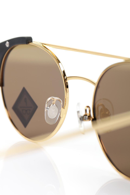 WONDERLANDのRIALTO(01-MattBlack&Gold/BronzePolarizedLens)リアルト・メタルフレーム・サングラス/WONDERLANDのメガネ・サングラスや。丸型レンズで人気のIndioよりヴィンテージかつエレガントにアップデートされたモデル。両サイドの「ヨロイ」と呼ばれる箇所に装飾を施しているため、着用時には単なる丸型レンズとは違った印象になります。/main-9