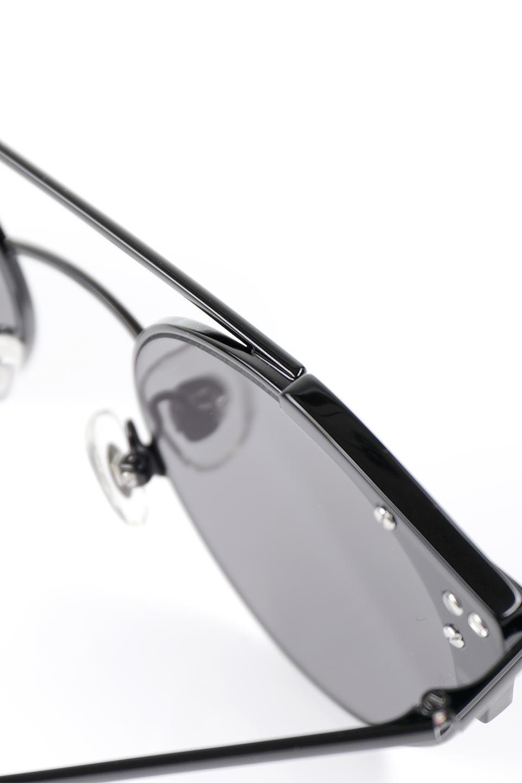 WONDERLANDのRIALTO(02-GlossBlack/GrayLens)リアルト・メタルフレーム・サングラス/WONDERLANDのメガネ・サングラスや。丸型レンズで人気のIndioよりヴィンテージかつエレガントにアップデートされたモデル。両サイドの「ヨロイ」と呼ばれる箇所に装飾を施しているため、着用時には単なる丸型レンズとは違った印象になります。/main-13