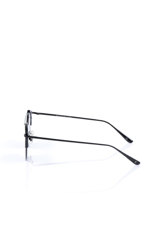 WONDERLANDのRIALTO(02-GlossBlack/GrayLens)リアルト・メタルフレーム・サングラス/WONDERLANDのメガネ・サングラスや。丸型レンズで人気のIndioよりヴィンテージかつエレガントにアップデートされたモデル。両サイドの「ヨロイ」と呼ばれる箇所に装飾を施しているため、着用時には単なる丸型レンズとは違った印象になります。/main-2