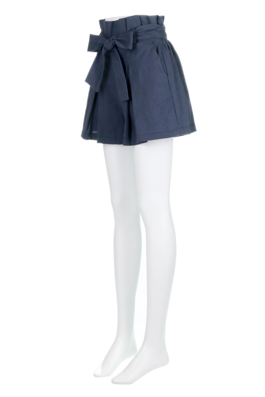 WaistRibbonTuckedShortPantsウエストリボン・タック入りショーツ大人カジュアルに最適な海外ファッションのothers(その他インポートアイテム)のボトムやパンツ。ウエストのリボンがアクセントのタック入りショートパンツ。張りのあるコットン素材なので綺麗なシルエットのままコーデが楽しめます。/main-11