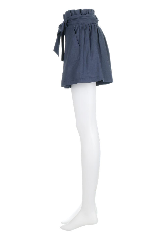 WaistRibbonTuckedShortPantsウエストリボン・タック入りショーツ大人カジュアルに最適な海外ファッションのothers(その他インポートアイテム)のボトムやパンツ。ウエストのリボンがアクセントのタック入りショートパンツ。張りのあるコットン素材なので綺麗なシルエットのままコーデが楽しめます。/main-12