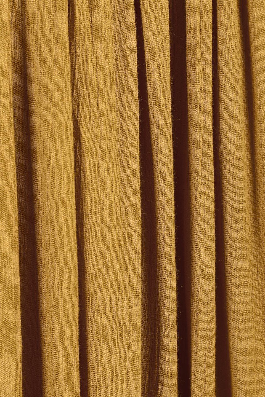 ShinyGatheredMidiSkirtクレープレーヨン・ギャザースカート大人カジュアルに最適な海外ファッションのothers(その他インポートアイテム)のボトムやスカート。レーヨン混で薄くてなめらかな肌触り、微光沢のある生地感のスカート。クレープのような薄い生地がふんわり空気感のあるボリュームを演出します。/main-15