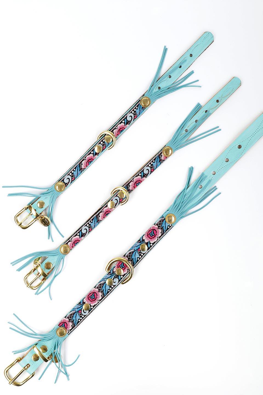LowlandsCOUTUREのTropicalParty#1トロピカルパーティー#1・本革フリンジドッグカラー/LowlandsCoutureのドッググッズや。綺麗なターコイズブルーのフリンジが可愛い本側ドッグカラー。本体にはジャカード織りの花柄が鮮やかに彩りを添えています。/main-11