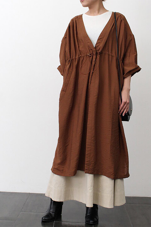 OverSizedGownCoatドロスト付き・ガウンコート大人カジュアルに最適な海外ファッションのothers(その他インポートアイテム)のアウターやカーディガン。大きめシルエットのドロスト付きのガウンコート。1枚仕立てでシャツ感覚で楽しめるガウン。/main-22
