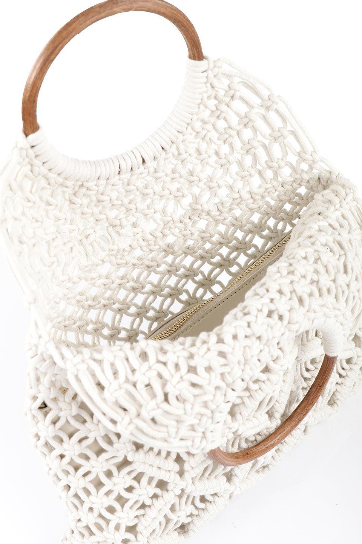 meliebiancoのNatalie(Bone)マクラメ編み・サマーハンドバッグ/海外ファッション好きにオススメのインポートバッグとかばん、MelieBianco(メリービアンコ)のバッグやハンドバッグ。ざっくり感のあるマクラメ編みが涼し気なリングハンドル・ハンドバッグ。リング状の持ち手は天然のバンブー(竹)でナチュラルな雰囲気を楽しめます。/main-10
