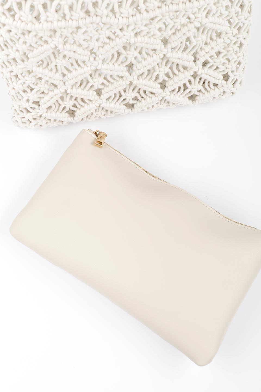 meliebiancoのNatalie(Bone)マクラメ編み・サマーハンドバッグ/海外ファッション好きにオススメのインポートバッグとかばん、MelieBianco(メリービアンコ)のバッグやハンドバッグ。ざっくり感のあるマクラメ編みが涼し気なリングハンドル・ハンドバッグ。リング状の持ち手は天然のバンブー(竹)でナチュラルな雰囲気を楽しめます。/main-11