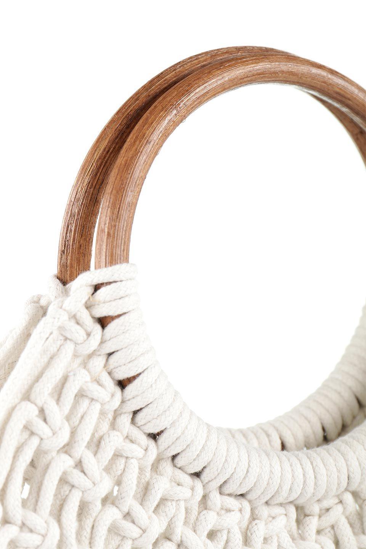 meliebiancoのNatalie(Bone)マクラメ編み・サマーハンドバッグ/海外ファッション好きにオススメのインポートバッグとかばん、MelieBianco(メリービアンコ)のバッグやハンドバッグ。ざっくり感のあるマクラメ編みが涼し気なリングハンドル・ハンドバッグ。リング状の持ち手は天然のバンブー(竹)でナチュラルな雰囲気を楽しめます。/main-5