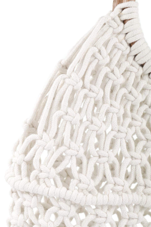 meliebiancoのNatalie(Bone)マクラメ編み・サマーハンドバッグ/海外ファッション好きにオススメのインポートバッグとかばん、MelieBianco(メリービアンコ)のバッグやハンドバッグ。ざっくり感のあるマクラメ編みが涼し気なリングハンドル・ハンドバッグ。リング状の持ち手は天然のバンブー(竹)でナチュラルな雰囲気を楽しめます。/main-7