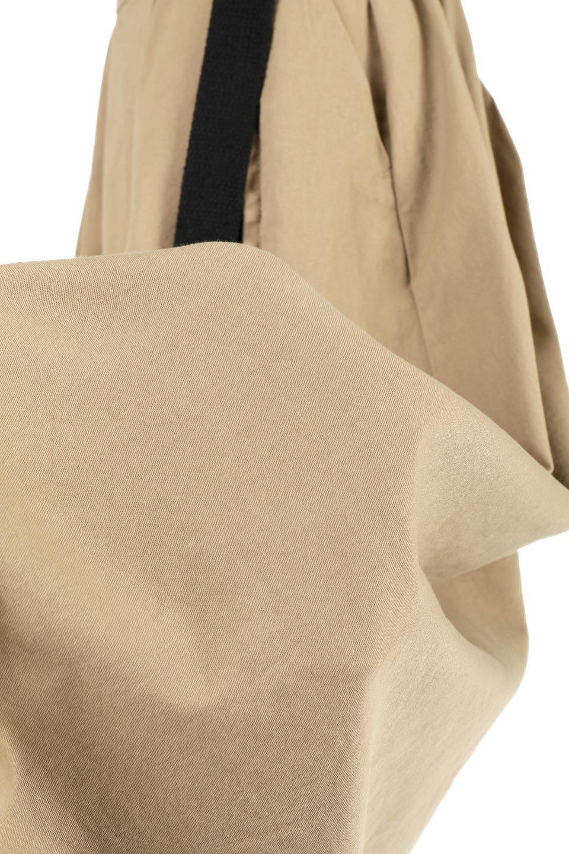 PaneledFlareSkirtw/WeavingBeltベルト付き・パネルフレアスカート大人カジュアルに最適な海外ファッションのothers(その他インポートアイテム)のボトムやスカート。フロントの切り替えがアクセントのボリューム感のあるフレアスカート。付属したウェービングベルトでラフでカジュアルな雰囲気です。/main-24