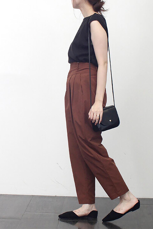 PegtopHighWaistPantペグトップ・ハイウエストパンツ大人カジュアルに最適な海外ファッションのothers(その他インポートアイテム)のボトムやパンツ。ワイドでシャープなペグトップシルエットのパンツ。腰から膝下まではゆとりをもたせたワイドシルエット。/main-23