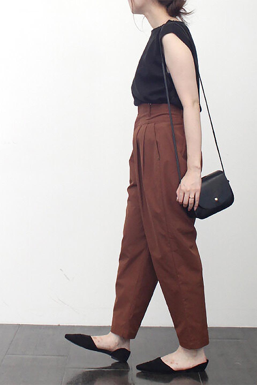 PegtopHighWaistPantペグトップ・ハイウエストパンツ大人カジュアルに最適な海外ファッションのothers(その他インポートアイテム)のボトムやパンツ。ワイドでシャープなペグトップシルエットのパンツ。腰から膝下まではゆとりをもたせたワイドシルエット。/main-24