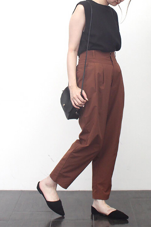 PegtopHighWaistPantペグトップ・ハイウエストパンツ大人カジュアルに最適な海外ファッションのothers(その他インポートアイテム)のボトムやパンツ。ワイドでシャープなペグトップシルエットのパンツ。腰から膝下まではゆとりをもたせたワイドシルエット。/main-25