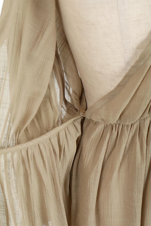 SlubGauzeKashcourtGownスラブガーゼ・ガウンワンピース大人カジュアルに最適な海外ファッションのothers(その他インポートアイテム)のアウターやコート。ソフトな肌触りのスラブガーゼを使用したロング丈のガウンワンピース。薄手・透け感・ロング丈・ガウン、どれも人気のあるキーワード。/main-27