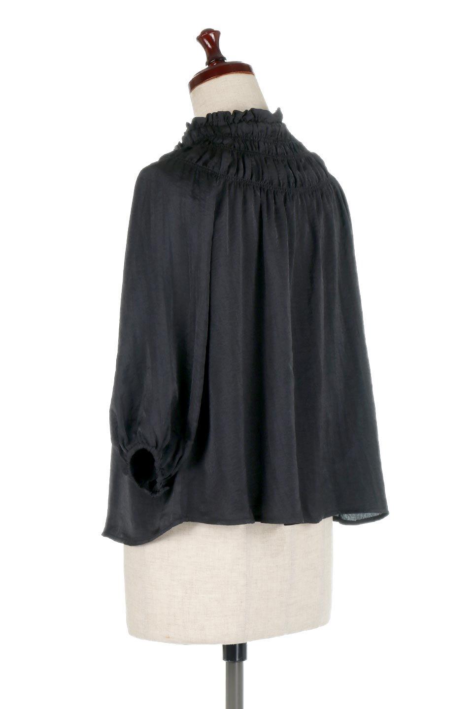 ShirringNeckSatinBlouseビンテージ風サテン・シャーリングブラウス大人カジュアルに最適な海外ファッションのothers(その他インポートアイテム)のトップスやシャツ・ブラウス。シャーリングを施した首周りが可愛いブラウス。渋めの光沢があるビンテージ風サテン生地を使用しています。/main-8