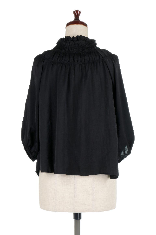 ShirringNeckSatinBlouseビンテージ風サテン・シャーリングブラウス大人カジュアルに最適な海外ファッションのothers(その他インポートアイテム)のトップスやシャツ・ブラウス。シャーリングを施した首周りが可愛いブラウス。渋めの光沢があるビンテージ風サテン生地を使用しています。/main-9