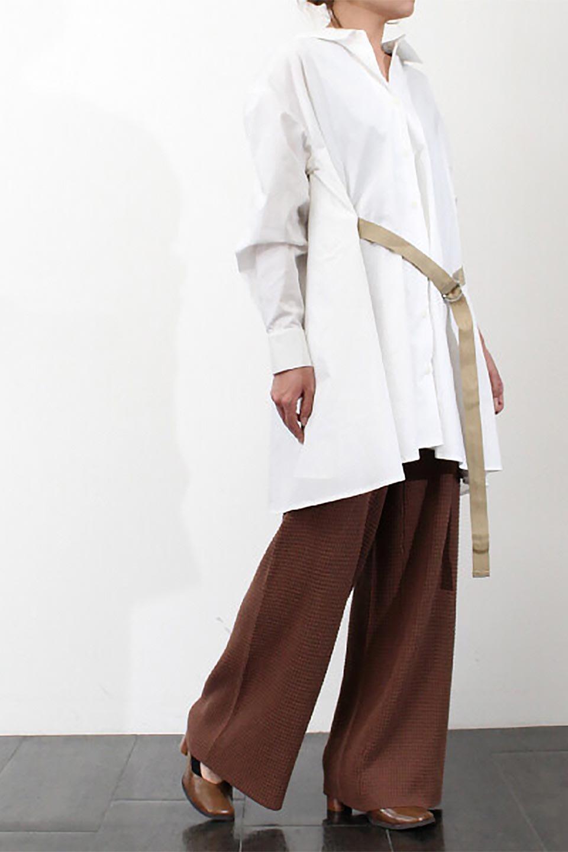 WaistTiedA-LineShirtsJacketベルト付き・ロングシャツジャケット大人カジュアルに最適な海外ファッションのothers(その他インポートアイテム)のトップスやシャツ・ブラウス。ウエストのリボンベルトがアクセントのシャツジャケット。綺麗なAラインが特徴で、コート風にも着こなせる便利アイテム。/main-23