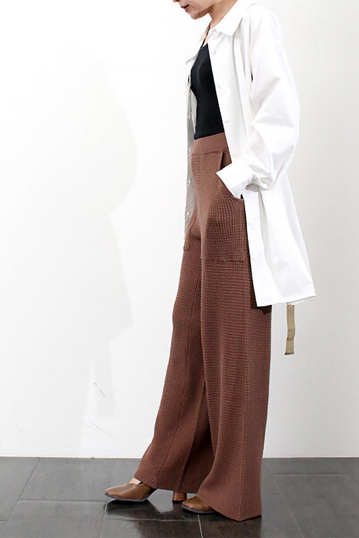 WaistTiedA-LineShirtsJacketベルト付き・ロングシャツジャケット大人カジュアルに最適な海外ファッションのothers(その他インポートアイテム)のトップスやシャツ・ブラウス。ウエストのリボンベルトがアクセントのシャツジャケット。綺麗なAラインが特徴で、コート風にも着こなせる便利アイテム。/main-24