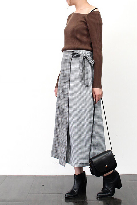 GlenCheckPaneledSkirtグレンチェック・切り替えスカート大人カジュアルに最適な海外ファッションのothers(その他インポートアイテム)のボトムやスカート。グレンチェックの切り替えが可愛いミディ丈スカート。2種類のチェックのコンビネーションで秋冬のコーディネートを楽しくしてくれます。/main-22
