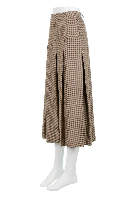 DeepPleatedWidePantsガンクラブチェック・ディーププリーツパンツ大人カジュアルに最適な海外ファッションのothers(その他インポートアイテム)のボトムやパンツ。ガンクラブチェックの柄と深めのプリーツがトラッドな印象のワイドパンツ。裾にかけて広がるデザインで脚長効果もあるアイテムです。/main-6