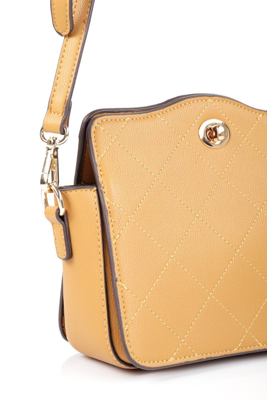 meliebiancoのMiley(Mustard)キルティングステッチ・ショルダーバッグ/海外ファッション好きにオススメのインポートバッグとかばん、MelieBianco(メリービアンコ)のバッグやショルダーバッグ。上品なキルティングステッチが可愛いショルダーバッグ。しっかりとした芯入りのビーガンレザーで型崩れの心配はナシ。/main-6