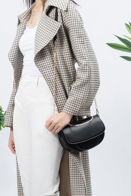 meliebiancoのIsabel(Black)ワンハンドル・2Wayミニバッグ/海外ファッション好きにオススメのインポートバッグとかばん、MelieBianco(メリービアンコ)のバッグやショルダーバッグ。ゴールドのメタルハンドルがアクセントのミニハンドバッグ。丸みを帯びたラウンドタイプはメリービアンコの本国アメリカはもちろんヨーロッパでも人気のシルエット。/main-15
