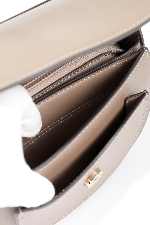 meliebiancoのIsabel(Taupe)ワンハンドル・2Wayミニバッグ/海外ファッション好きにオススメのインポートバッグとかばん、MelieBianco(メリービアンコ)のバッグやショルダーバッグ。ゴールドのメタルハンドルがアクセントのミニハンドバッグ。丸みを帯びたラウンドタイプはメリービアンコの本国アメリカはもちろんヨーロッパでも人気のシルエット。/main-11