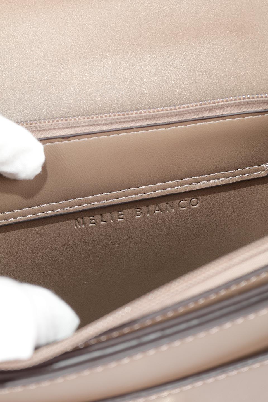 meliebiancoのIsabel(Taupe)ワンハンドル・2Wayミニバッグ/海外ファッション好きにオススメのインポートバッグとかばん、MelieBianco(メリービアンコ)のバッグやショルダーバッグ。ゴールドのメタルハンドルがアクセントのミニハンドバッグ。丸みを帯びたラウンドタイプはメリービアンコの本国アメリカはもちろんヨーロッパでも人気のシルエット。/main-14