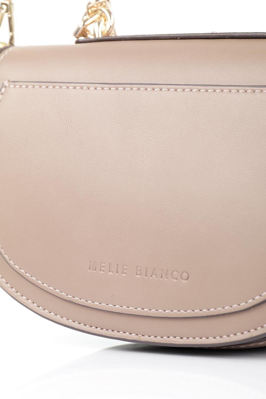 meliebiancoのIsabel(Taupe)ワンハンドル・2Wayミニバッグ/海外ファッション好きにオススメのインポートバッグとかばん、MelieBianco(メリービアンコ)のバッグやショルダーバッグ。ゴールドのメタルハンドルがアクセントのミニハンドバッグ。丸みを帯びたラウンドタイプはメリービアンコの本国アメリカはもちろんヨーロッパでも人気のシルエット。/main-8