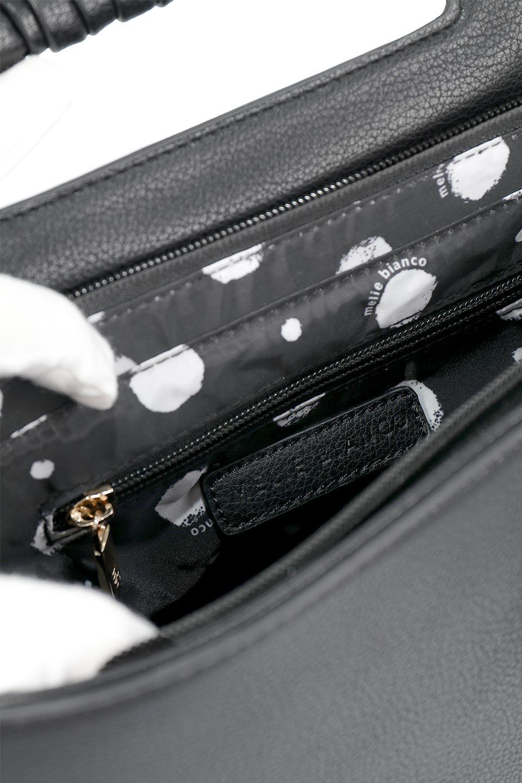 meliebiancoのBlair(Black)ワンハンドル・ハンドバッグ/海外ファッション好きにオススメのインポートバッグとかばん、MelieBianco(メリービアンコ)のバッグやハンドバッグ。スクエアなシルエットがシャープな印象のハンドバッグ。普段使いはもちろん、仕事でもつかえるシンプルデザインです。/main-12