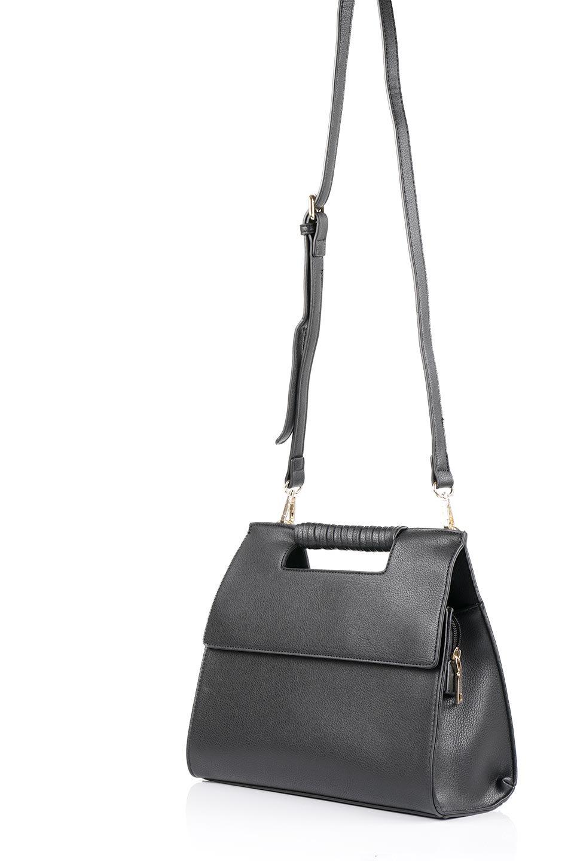 meliebiancoのBlair(Black)ワンハンドル・ハンドバッグ/海外ファッション好きにオススメのインポートバッグとかばん、MelieBianco(メリービアンコ)のバッグやハンドバッグ。スクエアなシルエットがシャープな印象のハンドバッグ。普段使いはもちろん、仕事でもつかえるシンプルデザインです。/main-5
