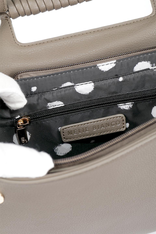 meliebiancoのBlair(Taupe)ワンハンドル・ハンドバッグ/海外ファッション好きにオススメのインポートバッグとかばん、MelieBianco(メリービアンコ)のバッグやハンドバッグ。スクエアなシルエットがシャープな印象のハンドバッグ。普段使いはもちろん、仕事でもつかえるシンプルデザインです。/main-12
