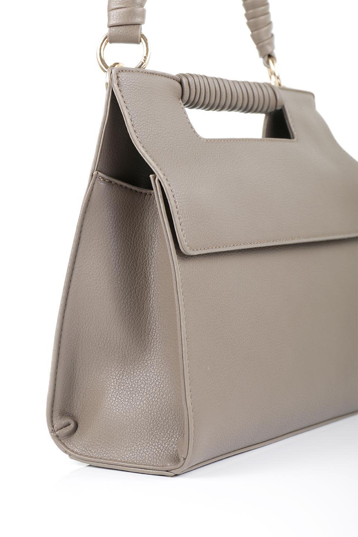 meliebiancoのBlair(Taupe)ワンハンドル・ハンドバッグ/海外ファッション好きにオススメのインポートバッグとかばん、MelieBianco(メリービアンコ)のバッグやハンドバッグ。スクエアなシルエットがシャープな印象のハンドバッグ。普段使いはもちろん、仕事でもつかえるシンプルデザインです。/main-7
