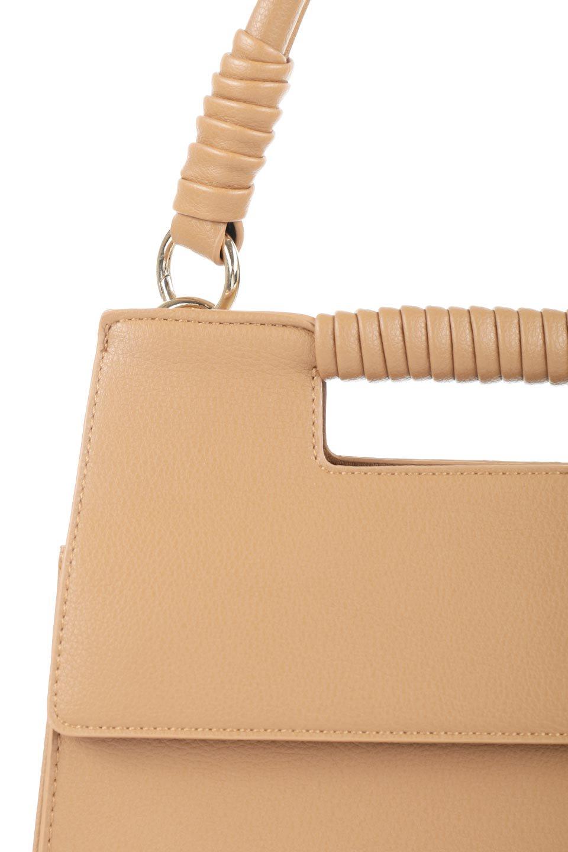 meliebiancoのBlair(Camel)ワンハンドル・ハンドバッグ/海外ファッション好きにオススメのインポートバッグとかばん、MelieBianco(メリービアンコ)のバッグやハンドバッグ。スクエアなシルエットがシャープな印象のハンドバッグ。普段使いはもちろん、仕事でもつかえるシンプルデザインです。/main-8