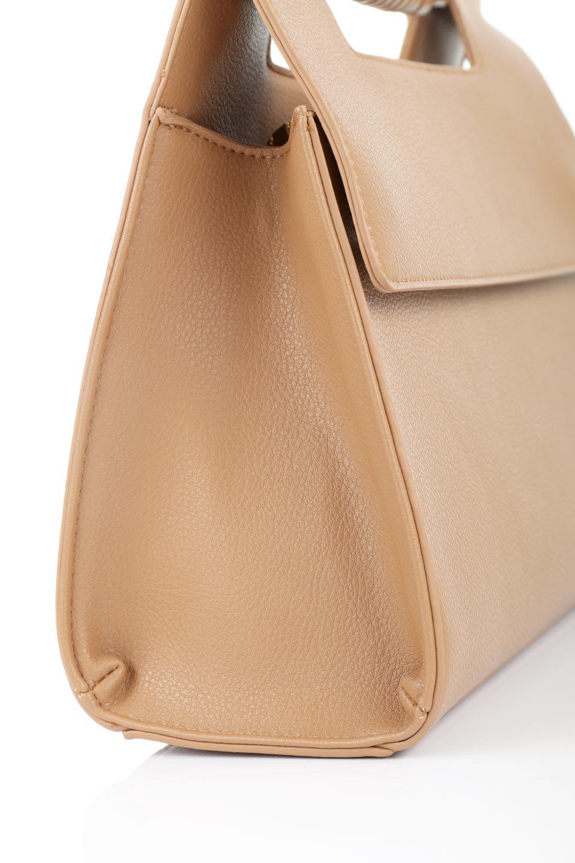 meliebiancoのBlair(Camel)ワンハンドル・ハンドバッグ/海外ファッション好きにオススメのインポートバッグとかばん、MelieBianco(メリービアンコ)のバッグやハンドバッグ。スクエアなシルエットがシャープな印象のハンドバッグ。普段使いはもちろん、仕事でもつかえるシンプルデザインです。/main-9