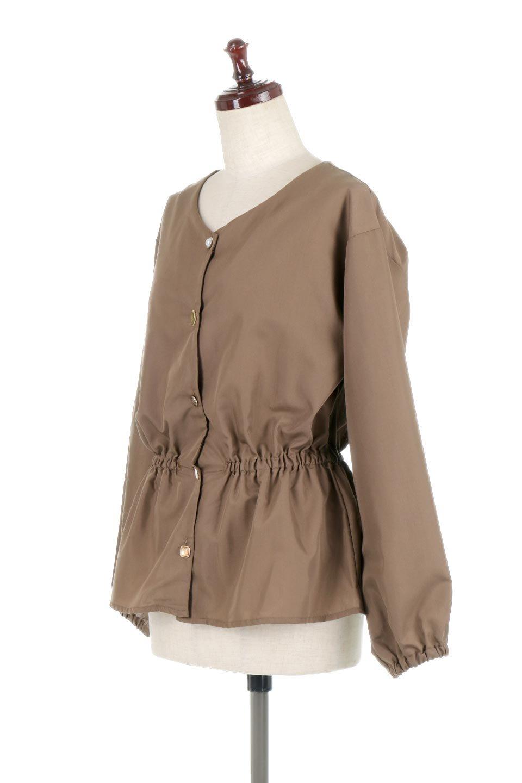 WaistGatheredBlouseウエストギャザー・ブラウス大人カジュアルに最適な海外ファッションのothers(その他インポートアイテム)のトップスやシャツ・ブラウス。スッキリとした首周りで人気の長袖ブラウス。数種類のボタンをアクセントして使用して可愛らしさもアピール。/main-11