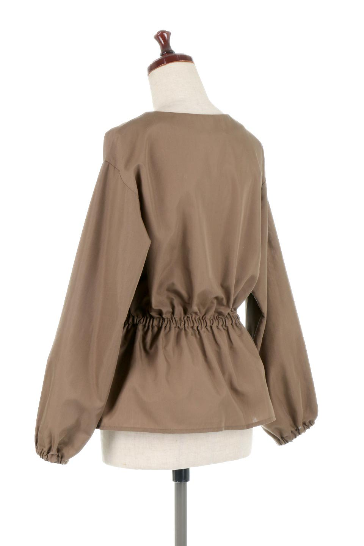 WaistGatheredBlouseウエストギャザー・ブラウス大人カジュアルに最適な海外ファッションのothers(その他インポートアイテム)のトップスやシャツ・ブラウス。スッキリとした首周りで人気の長袖ブラウス。数種類のボタンをアクセントして使用して可愛らしさもアピール。/main-13