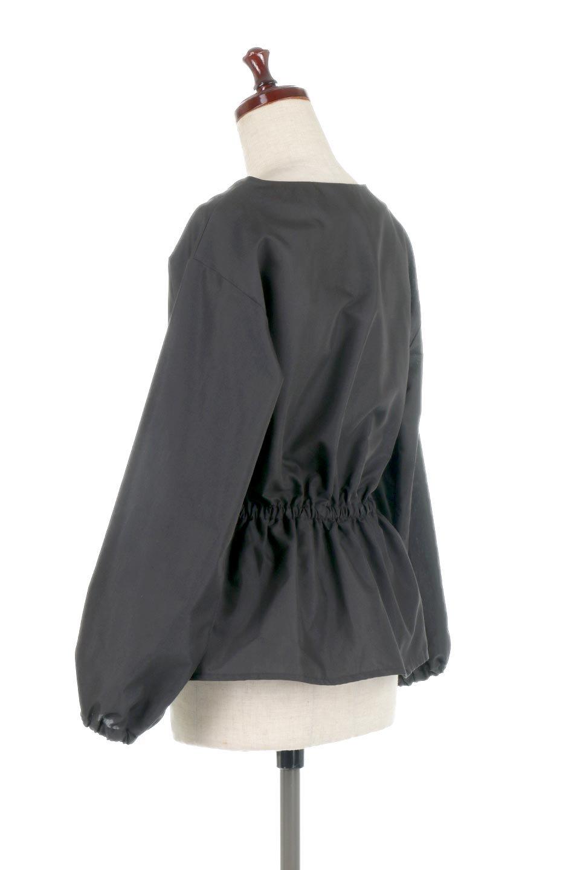WaistGatheredBlouseウエストギャザー・ブラウス大人カジュアルに最適な海外ファッションのothers(その他インポートアイテム)のトップスやシャツ・ブラウス。スッキリとした首周りで人気の長袖ブラウス。数種類のボタンをアクセントして使用して可愛らしさもアピール。/main-18