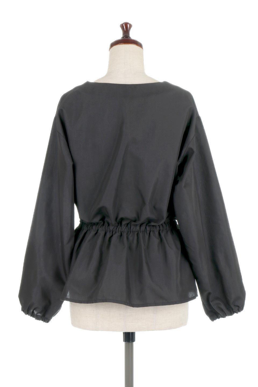 WaistGatheredBlouseウエストギャザー・ブラウス大人カジュアルに最適な海外ファッションのothers(その他インポートアイテム)のトップスやシャツ・ブラウス。スッキリとした首周りで人気の長袖ブラウス。数種類のボタンをアクセントして使用して可愛らしさもアピール。/main-19